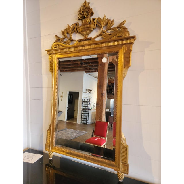 20th Century French Grand Gilt Mirror From Waldorf Astoria For Sale - Image 4 of 10