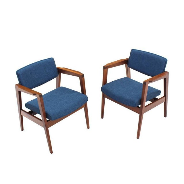 Wood Set of 4 Solid Walnut Newly Upholstered Gunlocke Chairs For Sale - Image 7 of 11