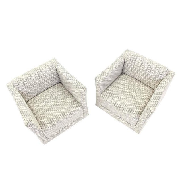 Mid-Century Modern Pair of Bernhardt Upholstered Lounge Chairs For Sale - Image 3 of 9