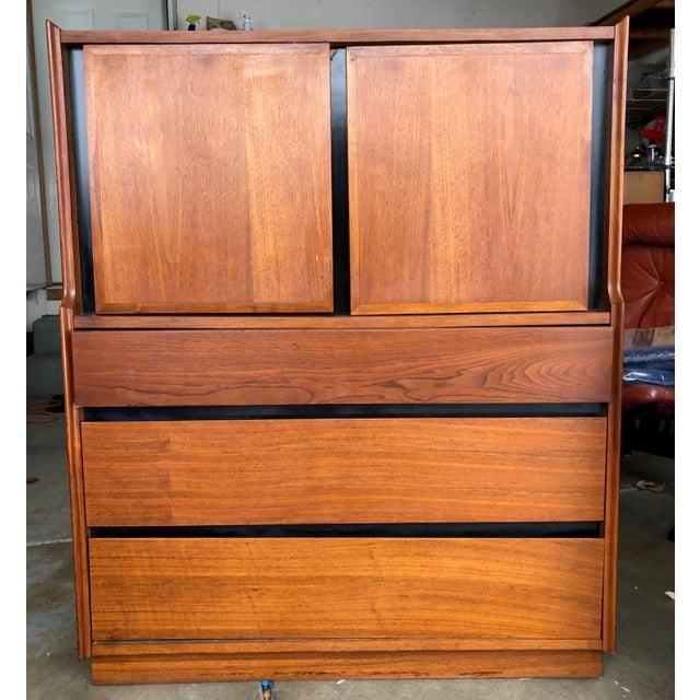 Mid-Century Modern 6-Drawer Dillingham Highboy Dresser by Merton Gershun For Sale - Image 9 of 10
