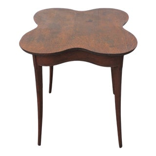 Early 1900s Clover Shape Tiger Oak Side End Table For Sale
