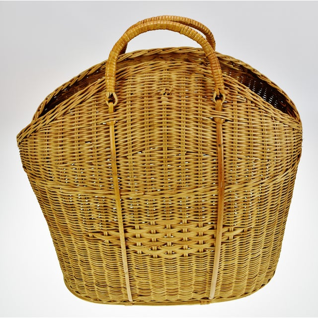 Traditional Vintage Wicker Tote Basket For Sale - Image 3 of 11