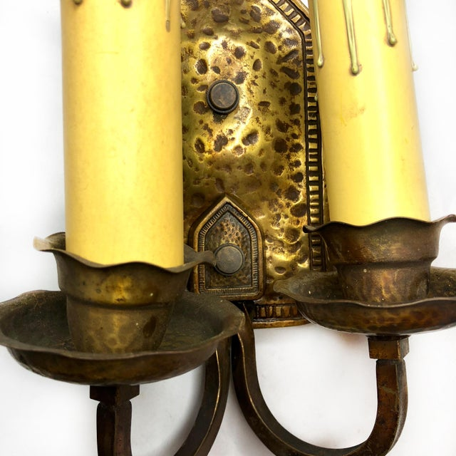 Early 20th Century Antique Arts & Crafts Hammered Brass Double Light Wall Sconce For Sale - Image 5 of 12