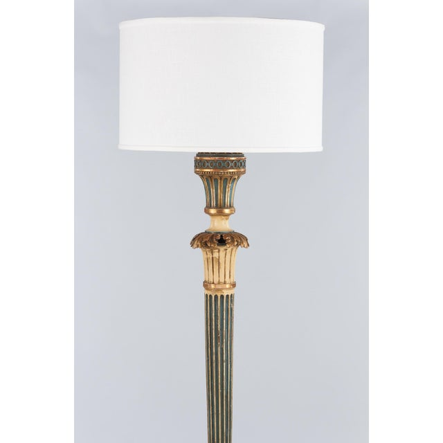 French 1940s Louis XVI Style Painted Wooden Floor Lamp For Sale - Image 3 of 13