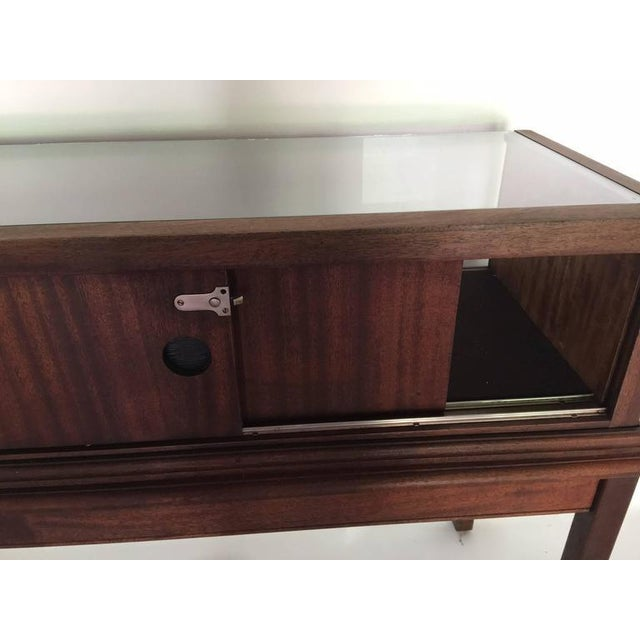Custom Mahogany Display Case or Vitrine for Collections or Artifacts For Sale In Savannah - Image 6 of 8