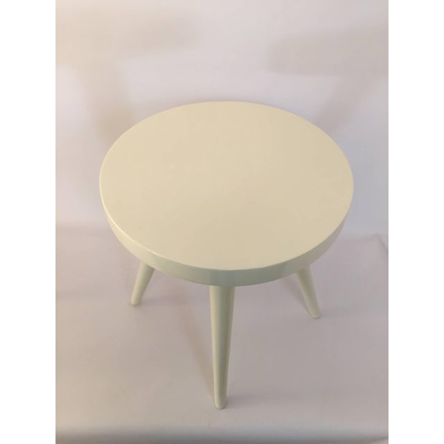 Pair of Modern White Lacquered Stools in the Manner of Charlotte Perriand For Sale - Image 4 of 8