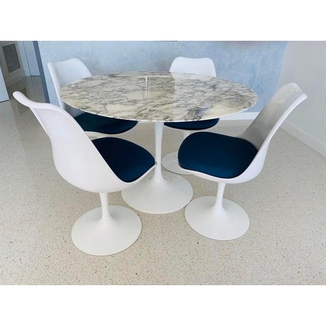 Mid-Century Modern Saarinen Dining Set - 5 Pieces For Sale - Image 9 of 9
