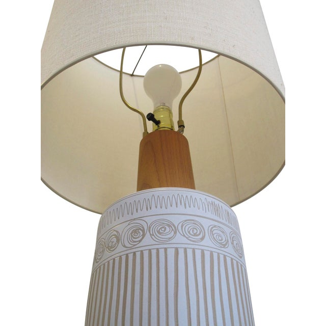 Mid 20th Century Mid-Century Martz Glazed Ceramic Lamp for Marshall Studios For Sale - Image 5 of 7