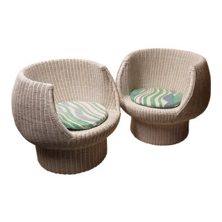 Mid-Century Modern White Wicker Bubble Chairs in the Style of Eero Aarnio - A Pair For Sale