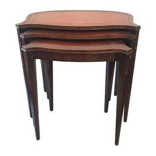 Hepplewhite Style Mahogany Nesting Tables - Set of 3 For Sale