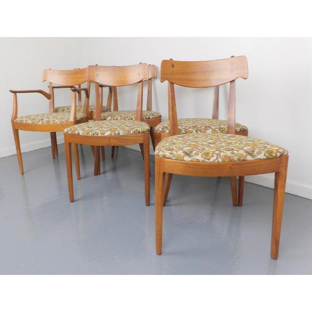 Mid Century Modern Walnut Dining Table, Leaves & 6 Chairs Set Kipp Stewart for Drexel Declaration For Sale In Sacramento - Image 6 of 8