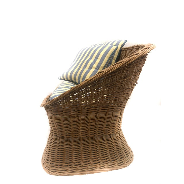 Mid-Century Modern 1970s Vintage Woven Rattan Wicker Settee For Sale - Image 3 of 6