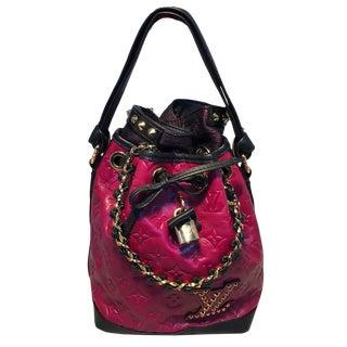 Louis Vuitton Ltd Ed Double Jeu Neo Noe Cranberry Bucket Bag, Fall/Winter 2010 For Sale