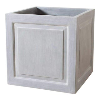 Outdoor Traditional Cast Resin Classic Planter For Sale