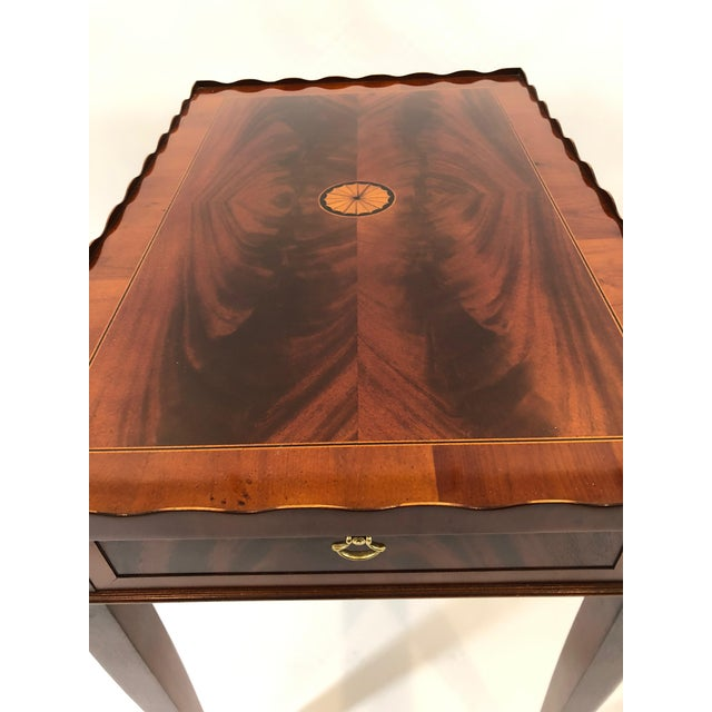 Brown 1980s Traditional Heckman Mahogany and Inlaid Tea Side Table For Sale - Image 8 of 13