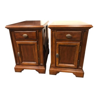 Traditional Universal Furniture Cherry Wood Side Tables - a Pair For Sale