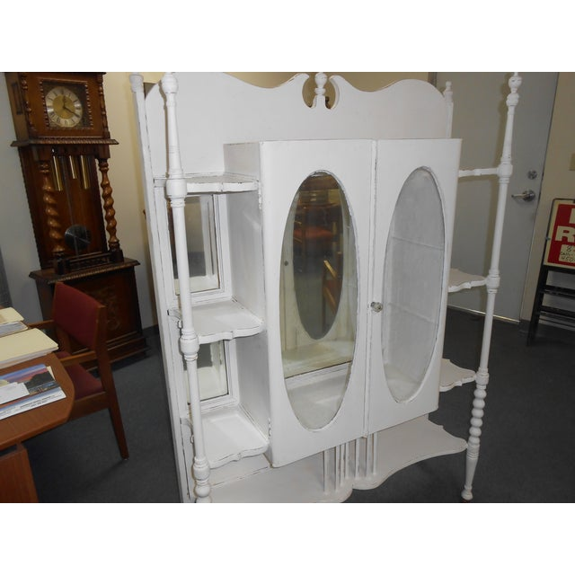 White Vintage Display Cabinet - Image 3 of 6
