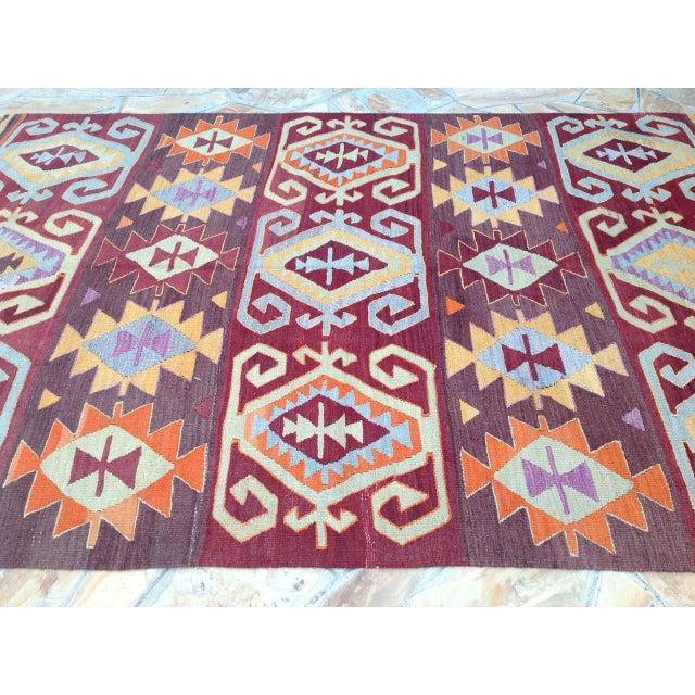 "Vintage Turkish Kilim Rug - 6' x 9'2"" For Sale - Image 4 of 7"