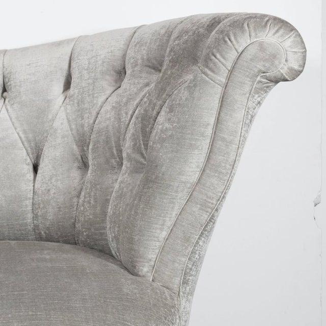 Hollywood Regency 1940s Hollywood Regency Asymmetrical Tufted Chair in Platinum Velvet For Sale - Image 3 of 11