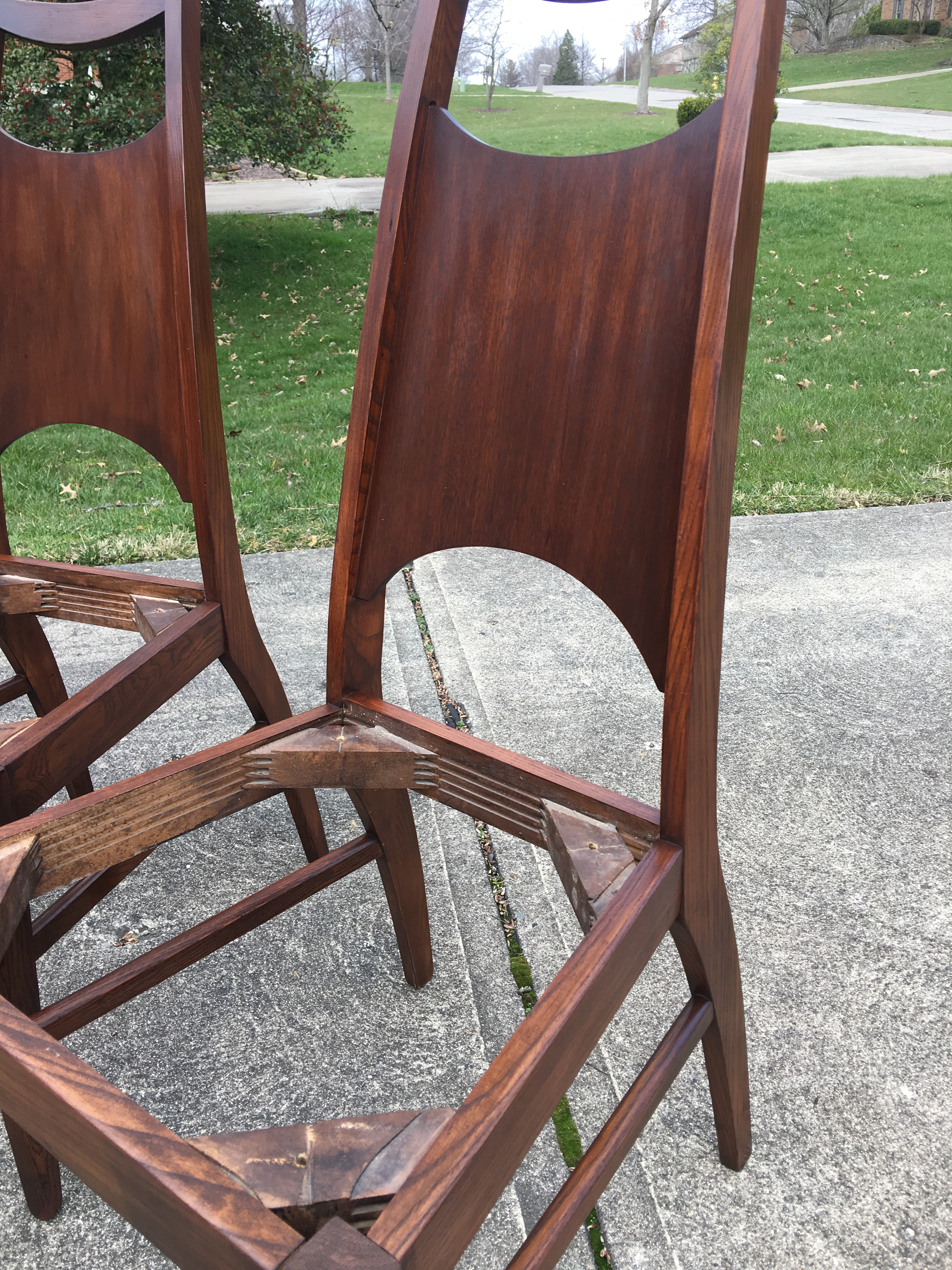 Bassett Refurbished Dining Chairs   Set Of 4   Image 7 Of 9