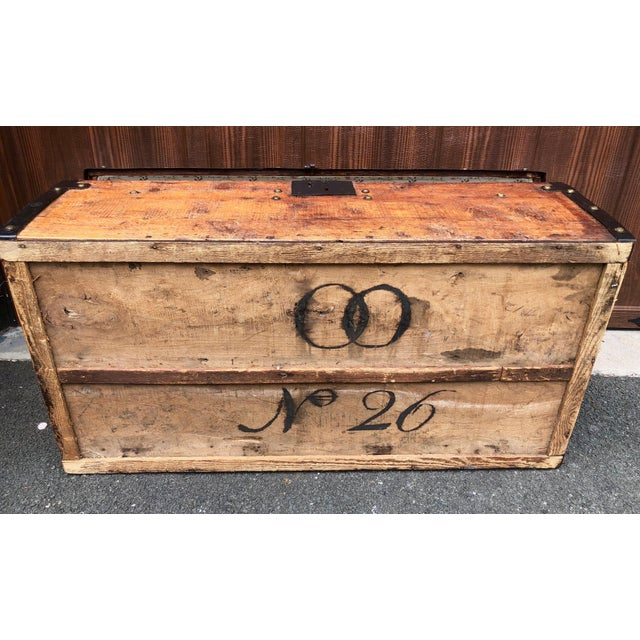 Early 19th Century 19th Century American Classical Wood and Iron Travel Trunk For Sale - Image 5 of 11