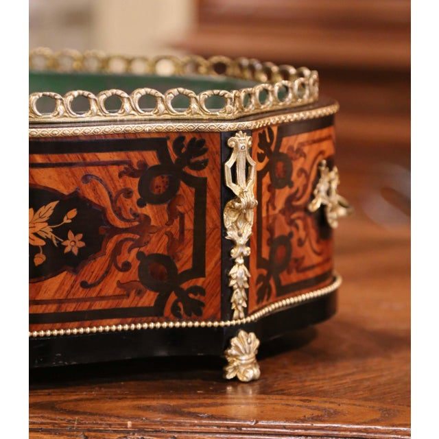 French 19th Century French Rosewood Bombe Jardinière With Marquetry and Bronze Mounts For Sale - Image 3 of 9