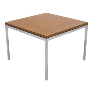 Florence Knoll coffee/end table with combed oak top For Sale