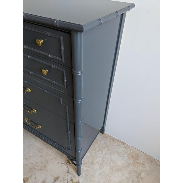 1970s Chinoiserie Thomasville Allegro Faux Bamboo High Gloss Gray 5 Drawer Highboy For Sale In Phoenix - Image 6 of 9