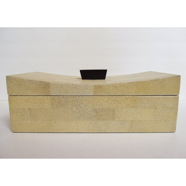 Asian Beige Curved Shagreen Box by Fabio Ltd For Sale - Image 3 of 6