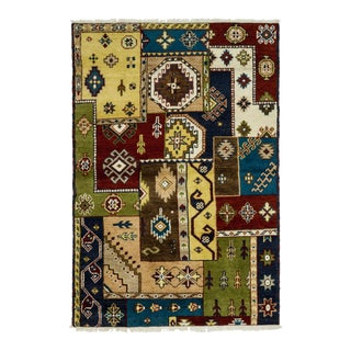 "Traditional Hand-Knotted Area Rug 4' 1"" x 6' 1"" For Sale"