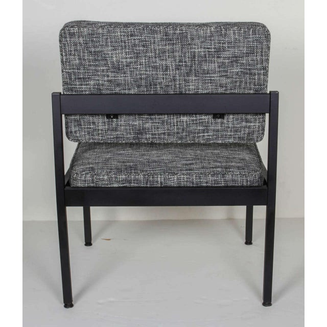 Enamel Pair of Mid-Century Modern Easy Chairs in the Style of Florence Knoll For Sale - Image 7 of 8