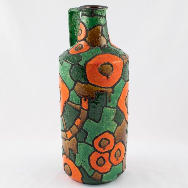Alvino Bagni Alvino Bagni for Raymor Orange and Green Vase, Circa 1960s For Sale - Image 4 of 9