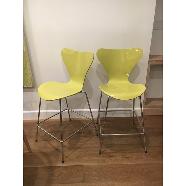 Early 21st Century Vintage Arne Jacobsen for Fritz Hansen Denmark 7 Series Counter Chairs - A Pair For Sale - Image 5 of 5