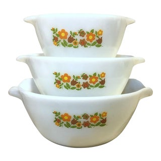 Vintage Mid Century Fire King Gingham Flowers Mixing Bowl Set- 3 Pieces For Sale