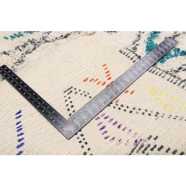 """2010s Contemporary Berber Moroccan Azilal Rug - 6'6"""" X 9' For Sale - Image 5 of 9"""