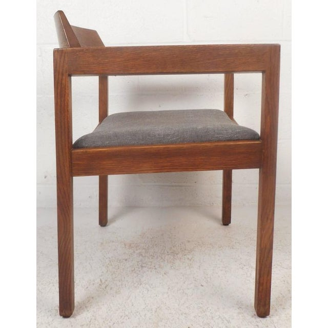 Set of Five Mid-Century Modern Walnut Dining Chairs by Gunlocke Chair Company For Sale In New York - Image 6 of 11