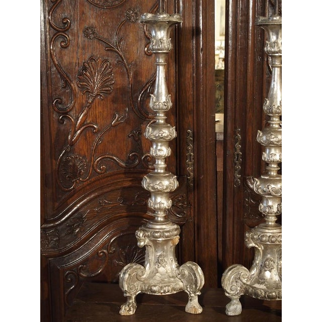 A Pair of Tall 17th Century Silverleaf Candlesticks From Italy For Sale In Dallas - Image 6 of 12