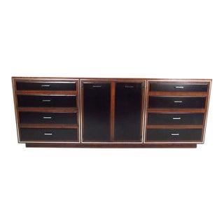 Mid-Century Modern Nine-Drawer Dresser by John Stuart for Widdicomb For Sale