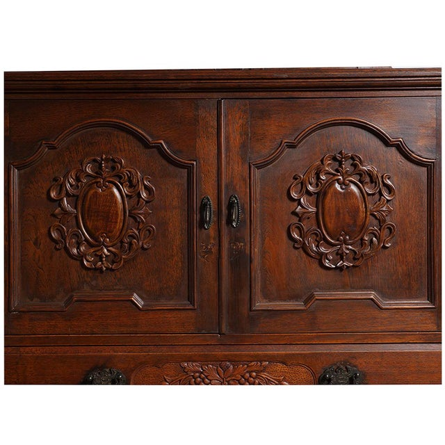 20th Century Chinese Raise Carved Dresser With Mirror For Sale In Los Angeles - Image 6 of 9