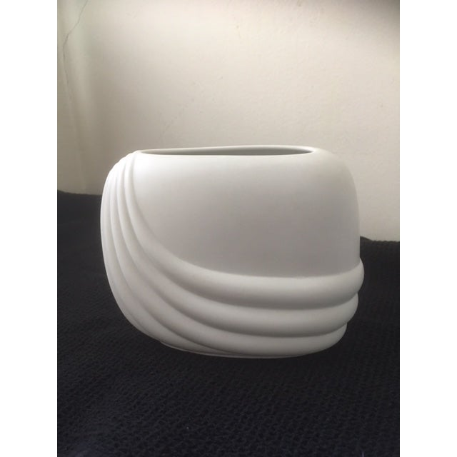 1970s 1979 Mid-Century Modern Rosenthal Studio Linie Ceramic Vase by Uta Feyl For Sale - Image 5 of 8