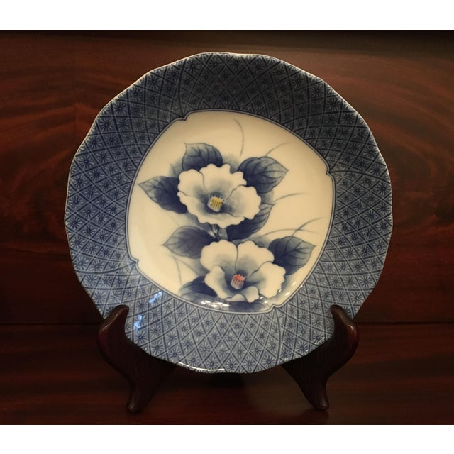 Japanese Style Scalloped Blue Floral Bowls - Set of 2 For Sale - Image 11 of 12