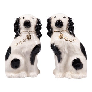 Antique English Staffordshire Spaniel Dogs Figurines - a Pair For Sale