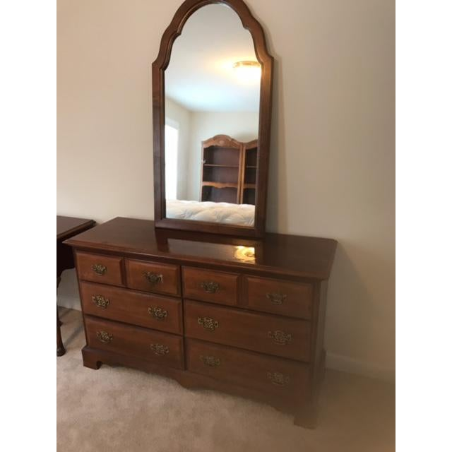 Traditional Stanley Furniture Dresser & Mirror For Sale - Image 3 of 4