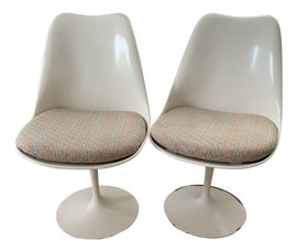 Image of Eero Saarinen Side Chairs