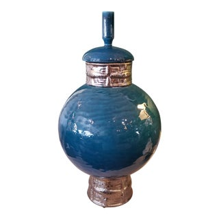 Global Views Blue Greek Key Motif Vase For Sale