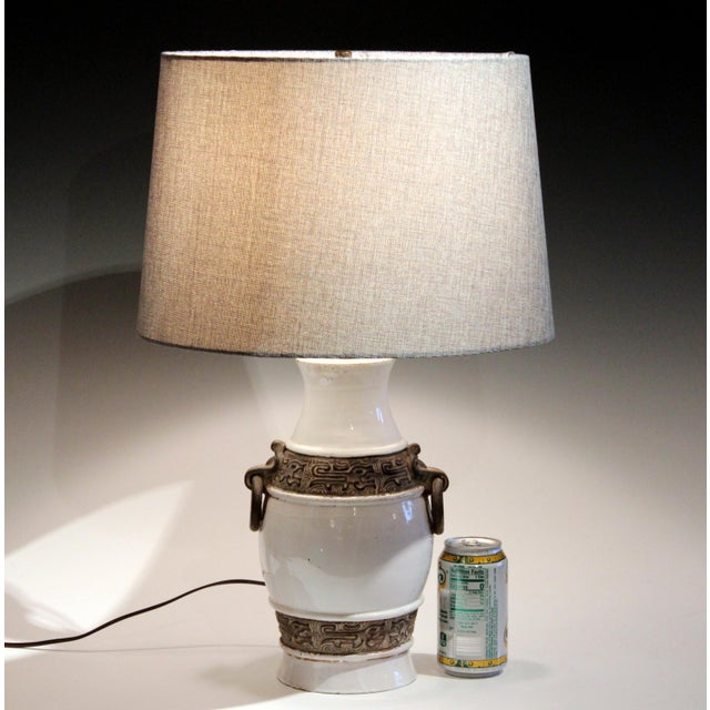 1960s Raymor Zaccagnini Pottery Italian Ming Style Mid-Century Modern Brown & White Lamp For Sale - Image 9 of 11