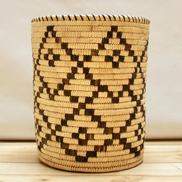 Vintage handwoven Tohono O'odham Native American cylindrical basket. In excellent condtion. Diameter 11 in / Height: 13 in