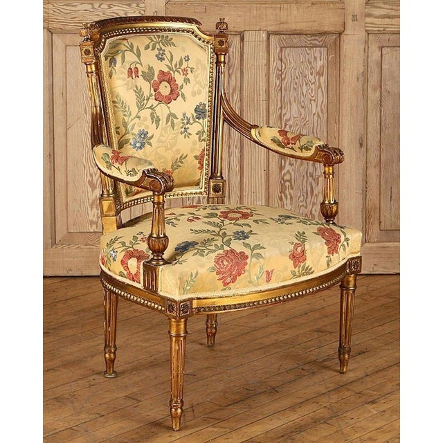 French Gilt Wood Louis XVI Style Settee & Arm Chairs - Set of 5 For Sale - Image 9 of 13