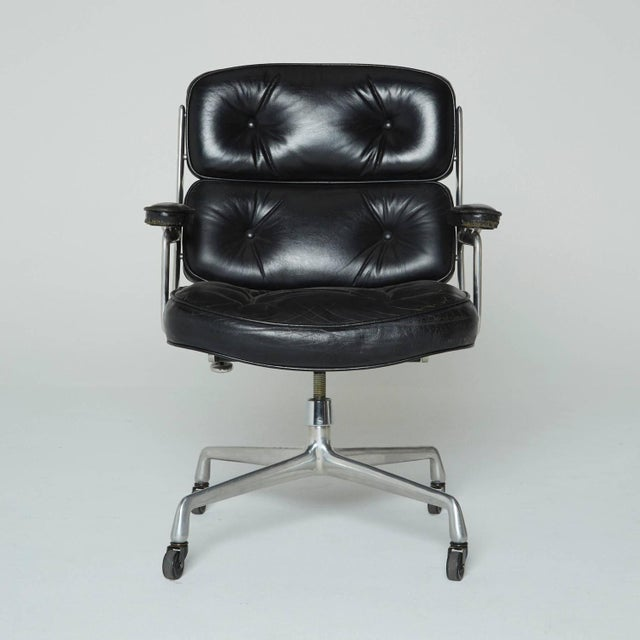 Designed by Charles Eames in 1959 for the Time Life building in New York City, this executive office chair hasn't budged...
