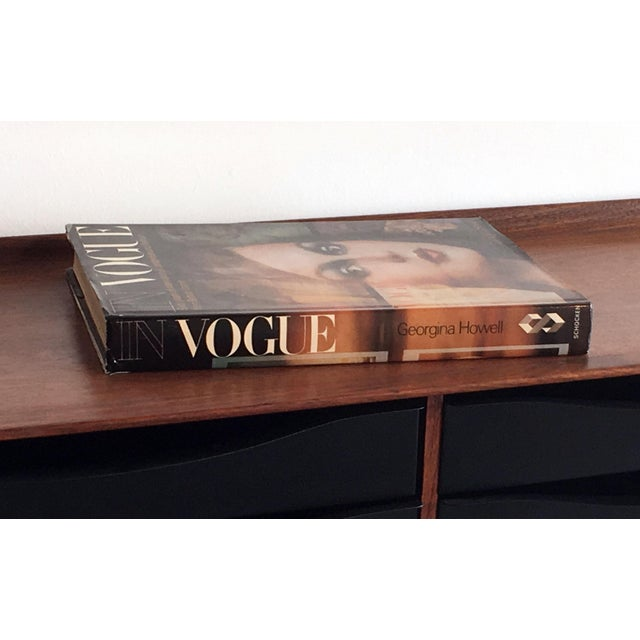 Fabulous hardcover coffee table book depicting the decades of fantastic and dramatic images from British Vogue! Second...
